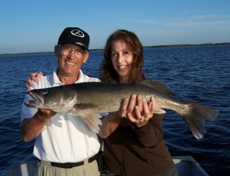 Jodi and Dad with her 31 inch walleye