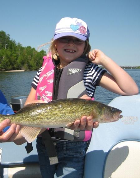 Rachel with 21 inch walleye