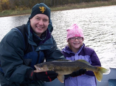Jon and Rachel with her 21.5 walleye
