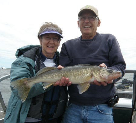 Diane+25+inch+walleye+