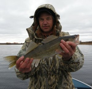 jeff-with-walleye