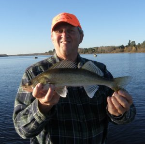 terry-with-november-walleye